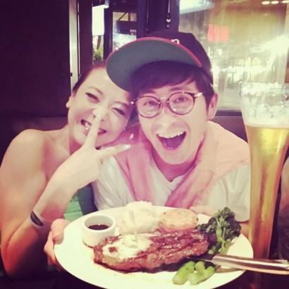 【エンタがビタミン♪】オリラジ藤森にしなだれかかる西川史子、笑顔がとびきり可愛い!