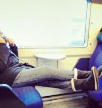 【海外発!Breaking News】空席に足を乗せるのはマナー違反! 行儀の悪い若者に罰金刑も(英)