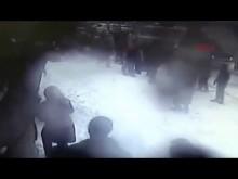 【海外発!Breaking News】凄まじい落雪事故。トルコの商店街で雪が通行人を襲う<動画あり>