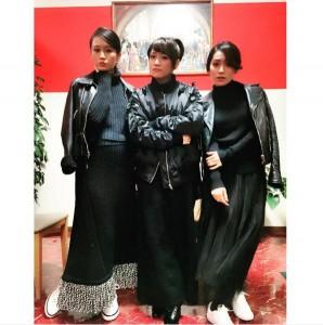 私服の色がかぶった前田敦子、高橋みなみ、大島優子(出典:https://www.instagram.com/yuk00shima)