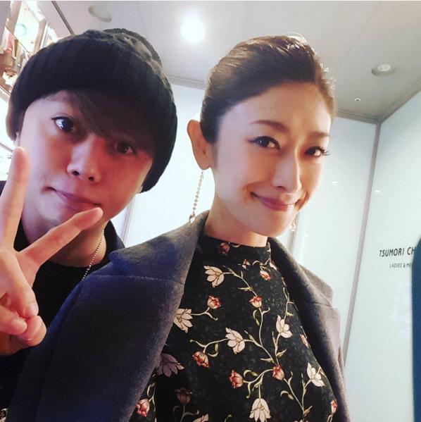 「久々の兄弟ショット!」と山田優(出典:https://www.instagram.com/yu_yamada_)