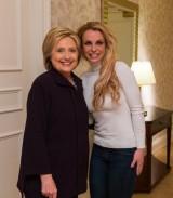 【イタすぎるセレブ達】ブリトニー・スピアーズ、大統領候補ヒラリー・クリントンと対面し大感激