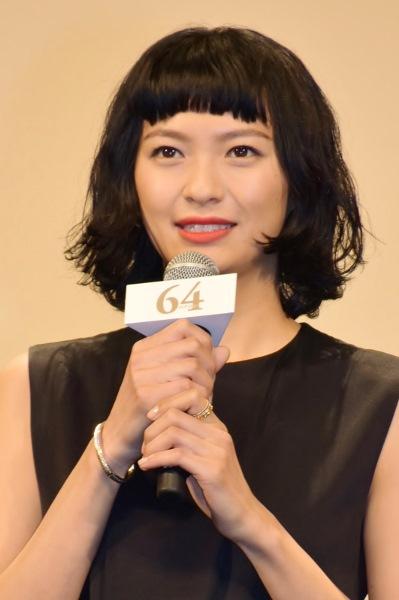 広報室の紅一点。職務熱心で真っ直ぐな性格の美雲役 榮倉奈々