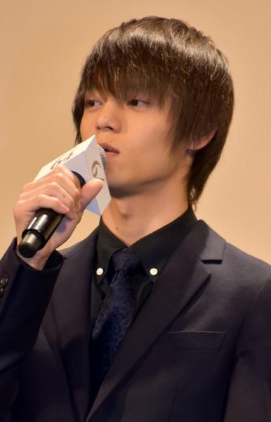 若手俳優・窪田正孝もベテラン陣と肩を並べる