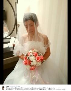 花嫁姿のネゴシックス(出典:https://twitter.com/akira5423)