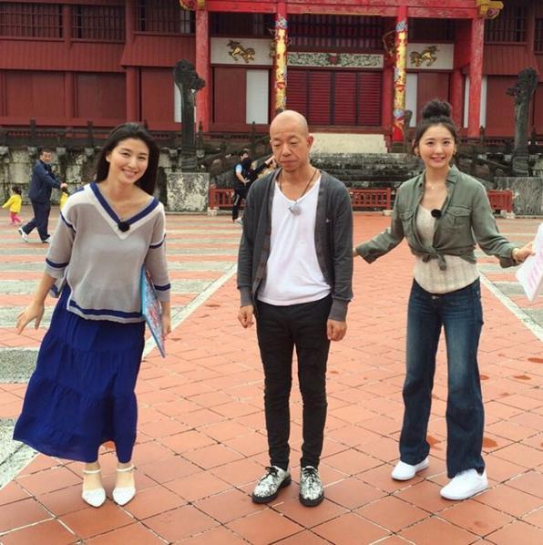 首里城をバックに記念写真(出典:https://www.instagram.com/manami84808)