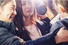 """【エンタがビタミン♪】たかみな卒業コンサート 舞台裏で板野・大島""""ちんゆう""""が号泣"""
