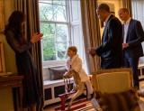 【イタすぎるセレブ達】英ジョージ王子が着ていたバスローブ、わずか数分で完売!