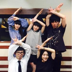 『SCHOOL OF LOCK!』でのPerfume(出典:https://www.instagram.com/prfm_official)