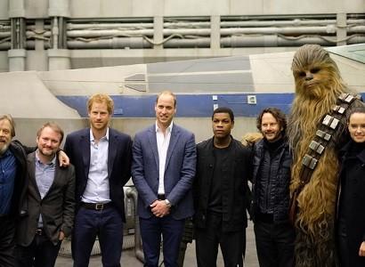 【イタすぎるセレブ達】英ウィリアム王子&ヘンリー王子 『スター・ウォーズ』セットを訪問