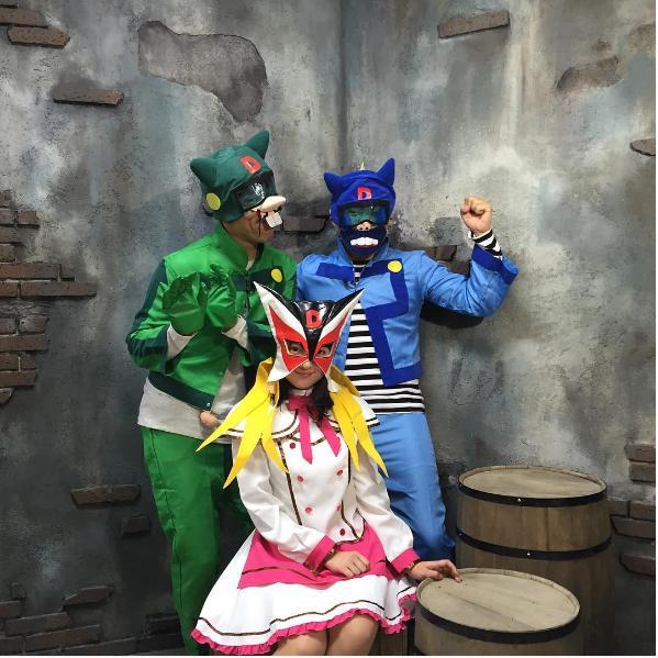 『ヤッターマン』のボヤッキーに扮した原口あきまさ(左)(出典:https://www.instagram.com/akimasa_haraguchi)