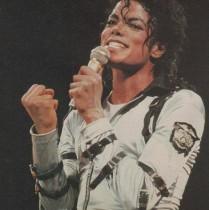 """【イタすぎるセレブ達】マイケル・ジャクソンの自称""""元カノ""""が「彼はノーマルな男性だった」"""