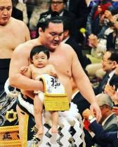 【エンタがビタミン♪】鈴木おさむ・大島美幸も大感激! 長男が横綱・白鵬と土俵入り