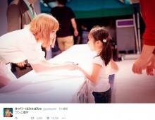 【エンタがビタミン♪】きゃりーぱみゅぱみゅ 子どもと握手する光景が素敵「ホッとするね」