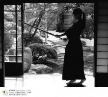 【エンタがビタミン♪】松井玲奈「腹筋を割る覚悟で鍛える」 竹刀構える姿で意気込み