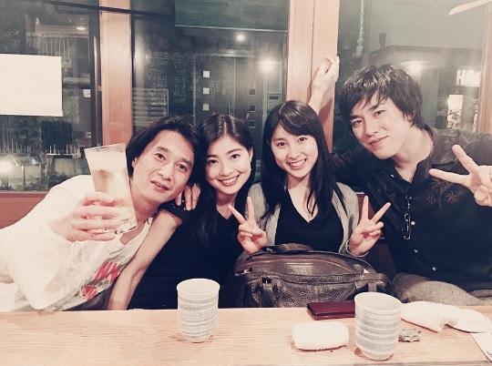 【エンタがビタミン♪】土屋太鳳 姉と並んだ記念ショットに「なんて美人姉妹!」