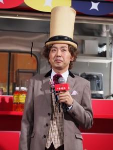 めったに見ないスタイルで登場した田中卓志