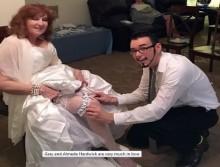 【海外発!Breaking News】驚愕の年齢差! 17歳男性が71歳女性と恋愛結婚(米)