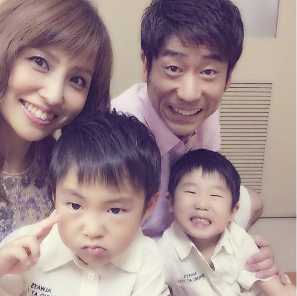 原口あきまさ夫妻と長男・次男(出典:https://www.instagram.com/akimasa_haraguchi)