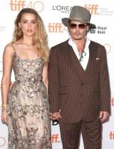 【イタすぎるセレブ達】ジョニー・デップ&アンバー・ハード、離婚騒動がついに決着 共同声明を発表