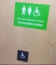 【海外発!Breaking News】画期的! スーパーの障がい者用トイレのサインにネットユーザー大反響(英)