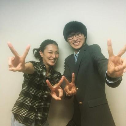 【エンタがビタミン♪】山崎賢人と板谷由夏、映画『四月は君の嘘』の仲良しショットにほっこり