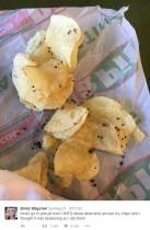 【海外発!Breaking News】ポテトチップスについていたのはブラックペッパーではなく蟻の死骸 女子高生がツイッターに投稿(米)