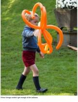 【イタすぎるセレブ達】ジョージ王子、カナダ訪問で大物ぶりを連発 ガーデンパーティで過去にないリクエストをする
