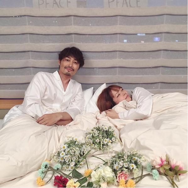 雑誌撮影での安田顕とaiko(出典:https://www.instagram.com/yasu_da_ken)