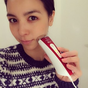 鈴木サチさんも愛用『LED美顔器 シルキン FaceFX リジュー』(出典:https://www.instagram.com/sachi_suzuki)