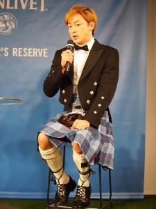 スコットランドでの思い出を語る山本耕史