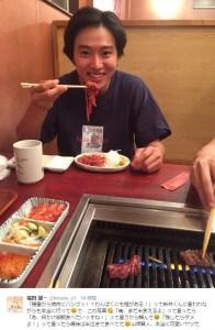 焼肉屋での山崎賢人(出典:https://twitter.com/fukuda_u1)