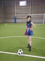 【エンタがビタミン♪】HKT48兒玉遥、ミニスカ衣装でサッカー姿 凛々しい表情に「フリーキック前の選手みたい」
