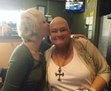 【イタすぎるセレブ達】マイケル・ジャクソン長女、乳がん闘病中の母に寄り添う