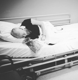 【イタすぎるセレブ達・番外編】『ビバヒル』シャナン・ドハーティー 同じ乳がん患者達にエール「化学療法の辛さはいつか消える」