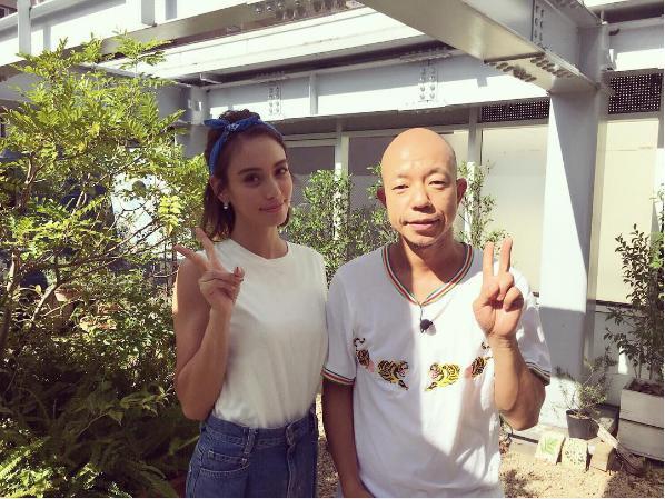 バラエティで共演した滝沢カレンと小峠英二(出典:https://www.instagram.com/takizawakarenofficial)