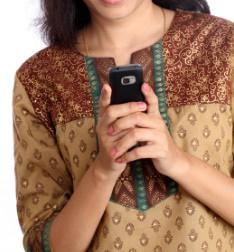 【海外発!Breaking News】嫁が姑を殺害 携帯電話「やめろ」に逆上(印)