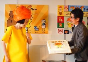 のんのクリエーターデビューを祝って、ワルイちゃんのケーキ登場