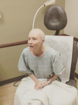 【イタすぎるセレブ達】乳がん闘病のシャナン・ドハーティー、放射線治療開始を写真と共に報告