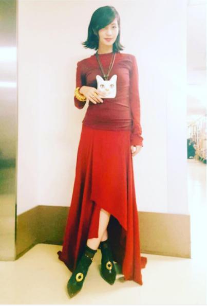 お腹が少し目立つ安田美沙子(出典:https://www.instagram.com/yasuda_misako)