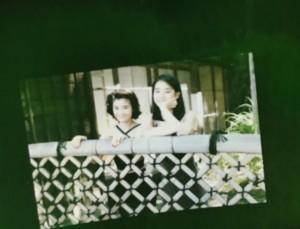 【エンタがビタミン♪】石田ゆり子&ひかり姉妹 20年前の2ショットが「透明感半端ない」