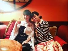 """【エンタがビタミン♪】水川あさみ、全身""""GUCCI""""で飾る ドラマ披露パーティーで「監督もおシャンティやった」"""