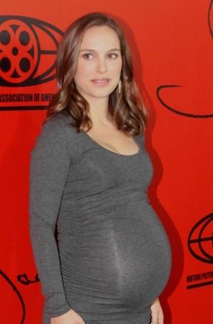 【イタすぎるセレブ達】妊婦ナタリー・ポートマン「パイナップルやブリートが無性に食べたい!」