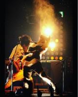 """【エンタがビタミン♪】西川貴教ライブステージの""""1枚""""が神懸かり 「すごい瞬間の写真」"""