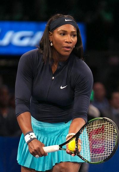 テニス界の女王がミリオネアと婚約!