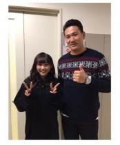 【エンタがビタミン♪】NMB48薮下柊と田中将大投手が2ショット 遠近感がおかしくなるほどの「身長差!」