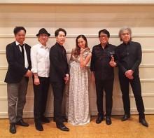 【エンタがビタミン♪】土屋アンナ、稲垣潤一ライブに出演 幸せな大きなお腹でデュエット