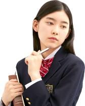 女子中高生、生理で困るのは「宿泊行事のとき」が8割以上 受験日にも6割が集中できず