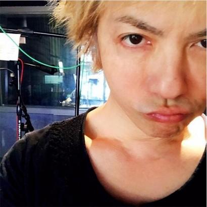 """【エンタがビタミン♪】HYDE、48歳の""""金髪すっぴん""""に絶賛の声「少年のよう!」"""
