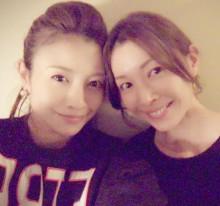 【エンタがビタミン♪】片瀬那奈&滝沢沙織、仲良し2ショットに「それにしてもよく似てる」
